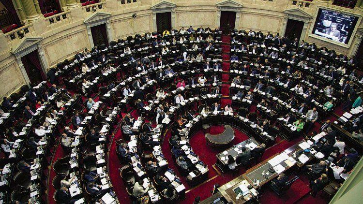 dEl gobierno estima que el proyecto de ley de financiamiento de partidos políticos se aprobaría en abril en el Congreso.