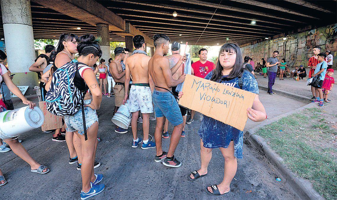 Tensión en Quilmes: incidentes entre vecinos y la Policía frente a la casa de un acusado de violar a una nena de 14 años