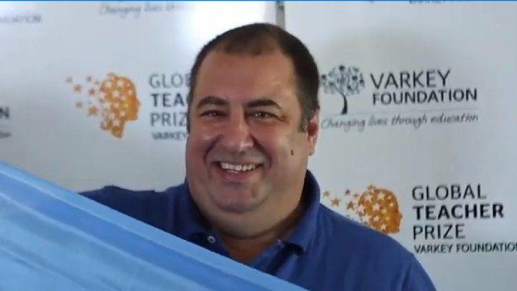 Martín Salvetti, un profe de Temperley, va por el Nobel de Educación