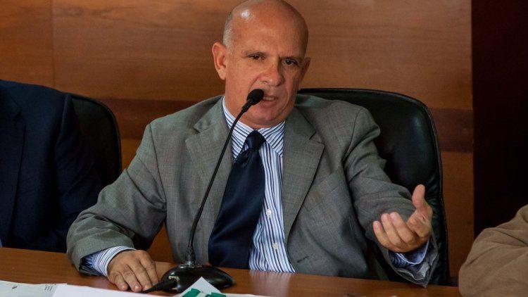 General chavista llama a la rebelión contra Maduro