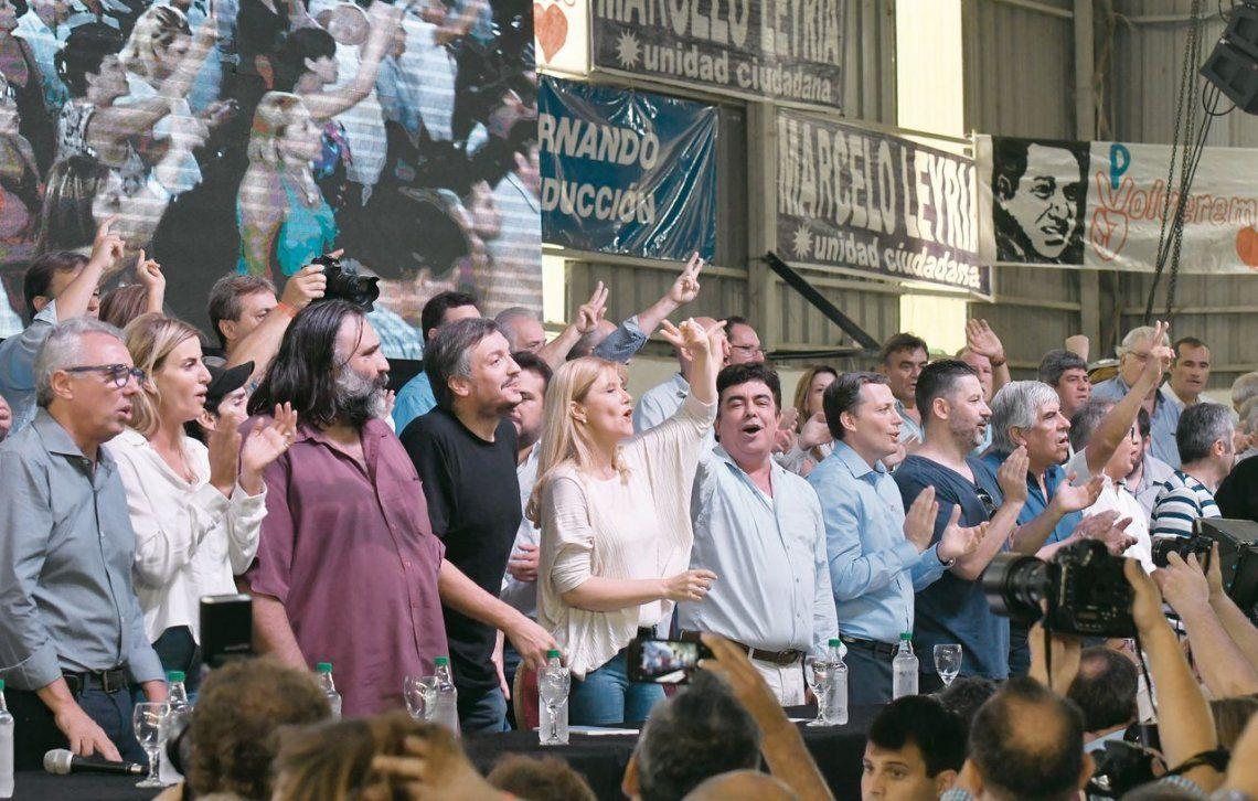 dLa imagen de unidad que se vio sobre el escenario se logró luego de una reunión previa en el municipio matancero.