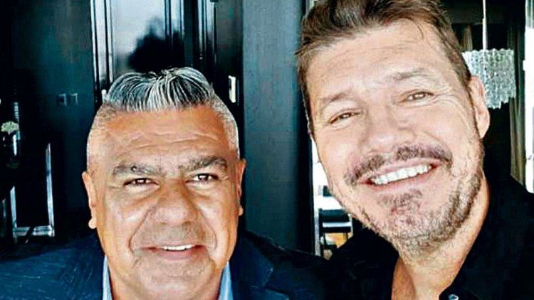 Chiqui Tapia y Marcelo Tinelli tras la reunión que mantuvieron ayer por motivo del 126º aniversario de la AFA.
