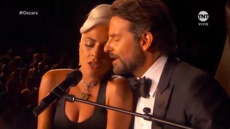 ¿Bradley Cooper y Lady Gaga están viviendo juntos?