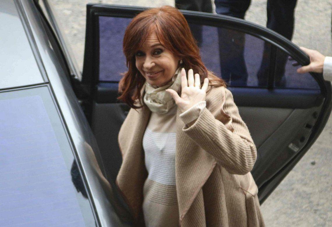 Cristina Kirchner fue autorizada por la Justicia para viajar a Cuba donde su hija está en tratamiento médico