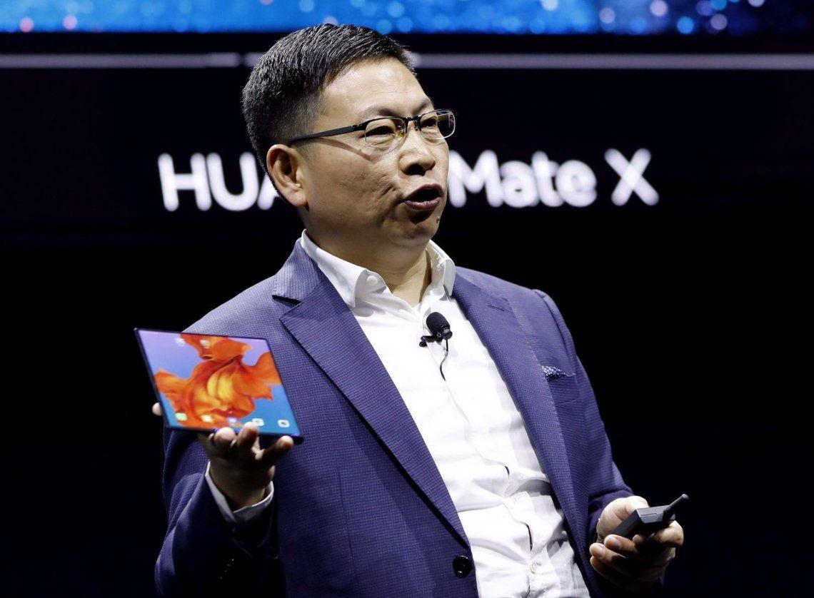 Huawei superó a Apple pese al conflicto con Estados Unidos