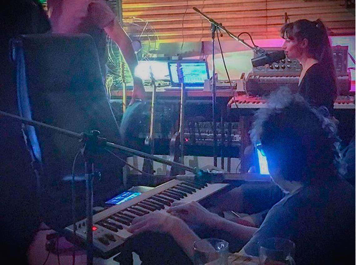 Brenda Asnícar se dio el gusto de grabar junto Charly García