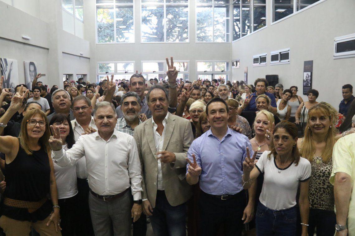 Scioli presentó su libro El otro camino en Florencio Varela