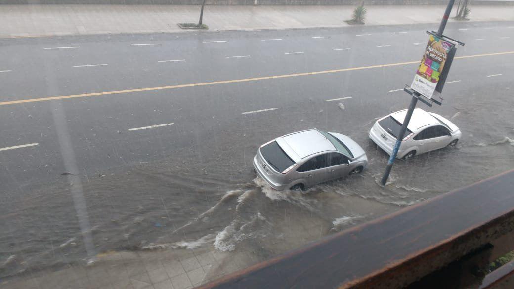 Mar del Plata: fuerte tormenta de lluvia y granizo