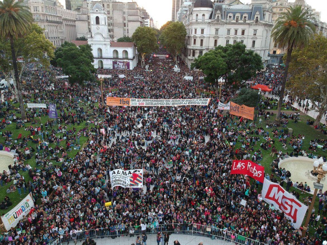 Día de la Mujer: las imágenes de las marchas en todo el país