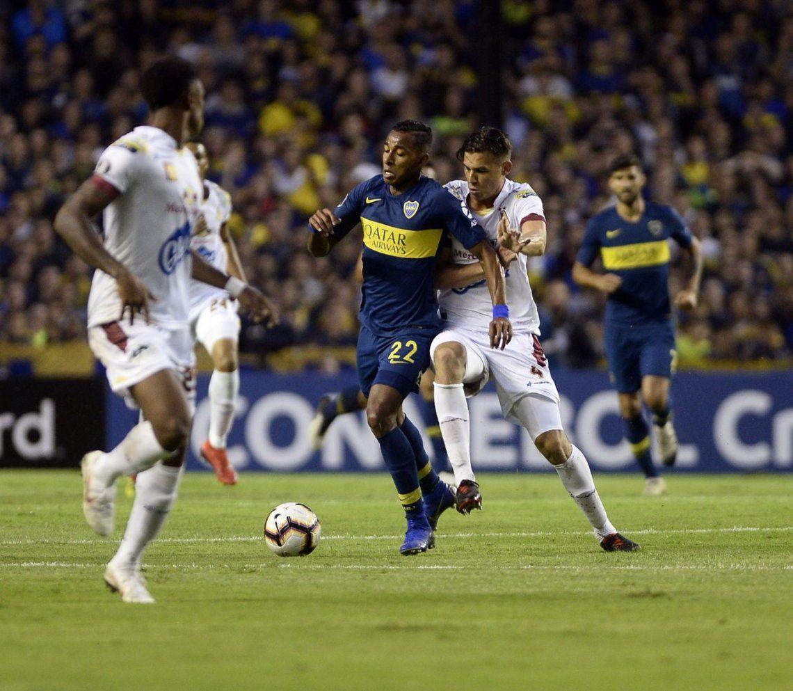 Postales de otra noche de Copa en La Boca