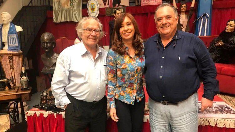 Cristina Fernández de Kirchner junto a Eduardo Valdés y Adolfo Pérez Esquivel