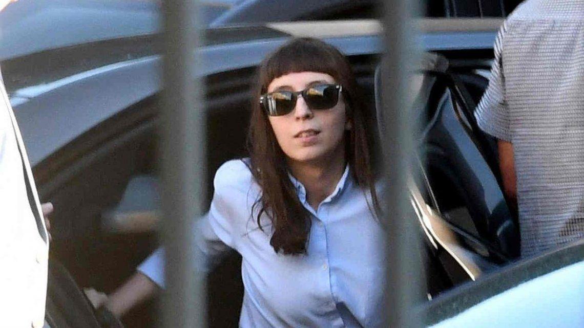 Autorizan a Florencia Kirchner a permanecer en Cuba