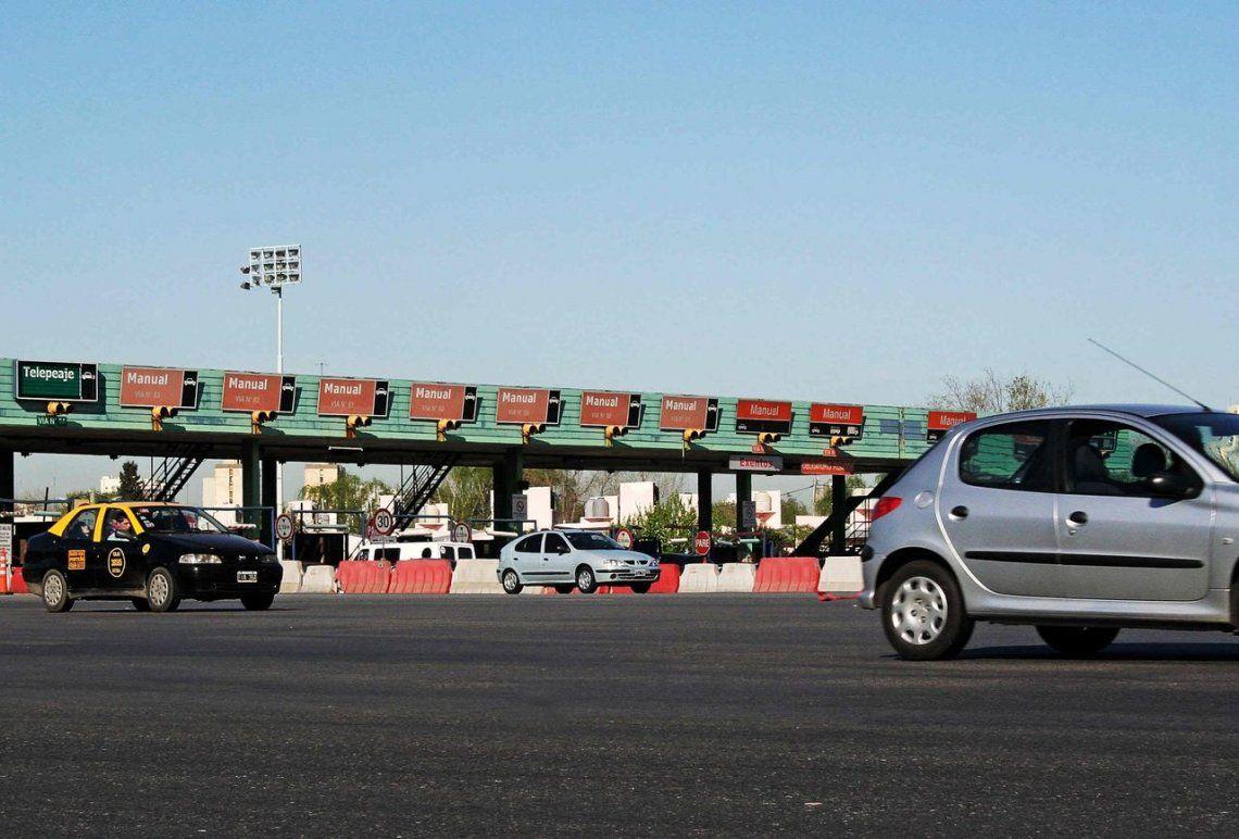 Habrá multas de hasta $15 mil por evadir el peaje de la autopista