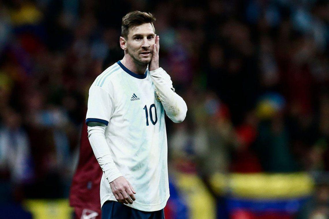 Argentina, en el regreso de Messi, dejó una pobre imagen y perdió ante Venezuela