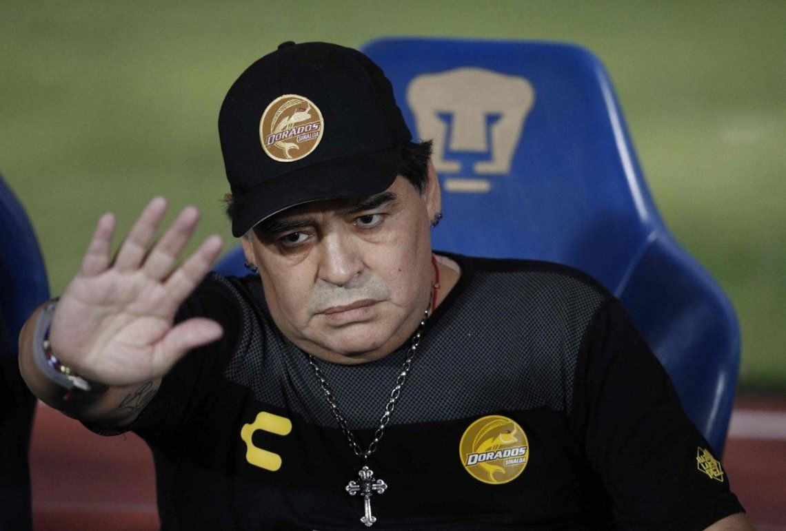 Maradona renunció como DT de Dorados por operaciones de rodilla y hombro