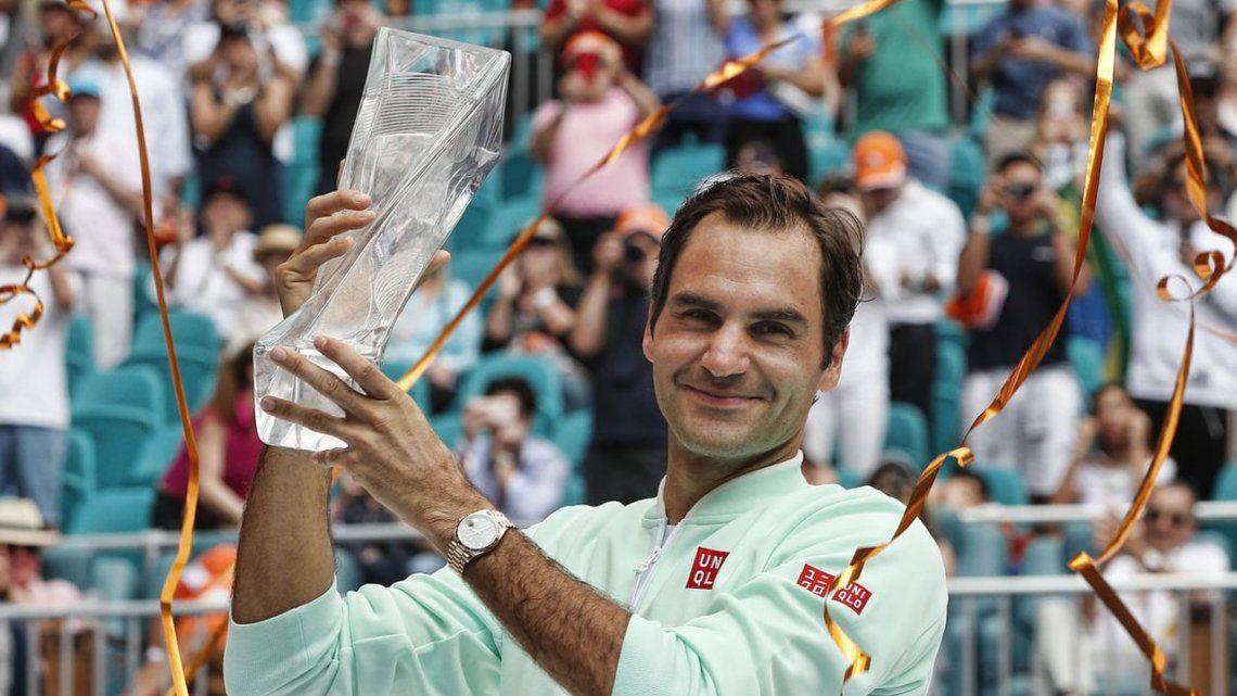 Roger Federer destronó a Isner en Miami y está a ocho de Connors