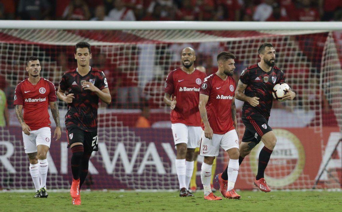 River alcanzó un valioso empate ante Inter en Brasil