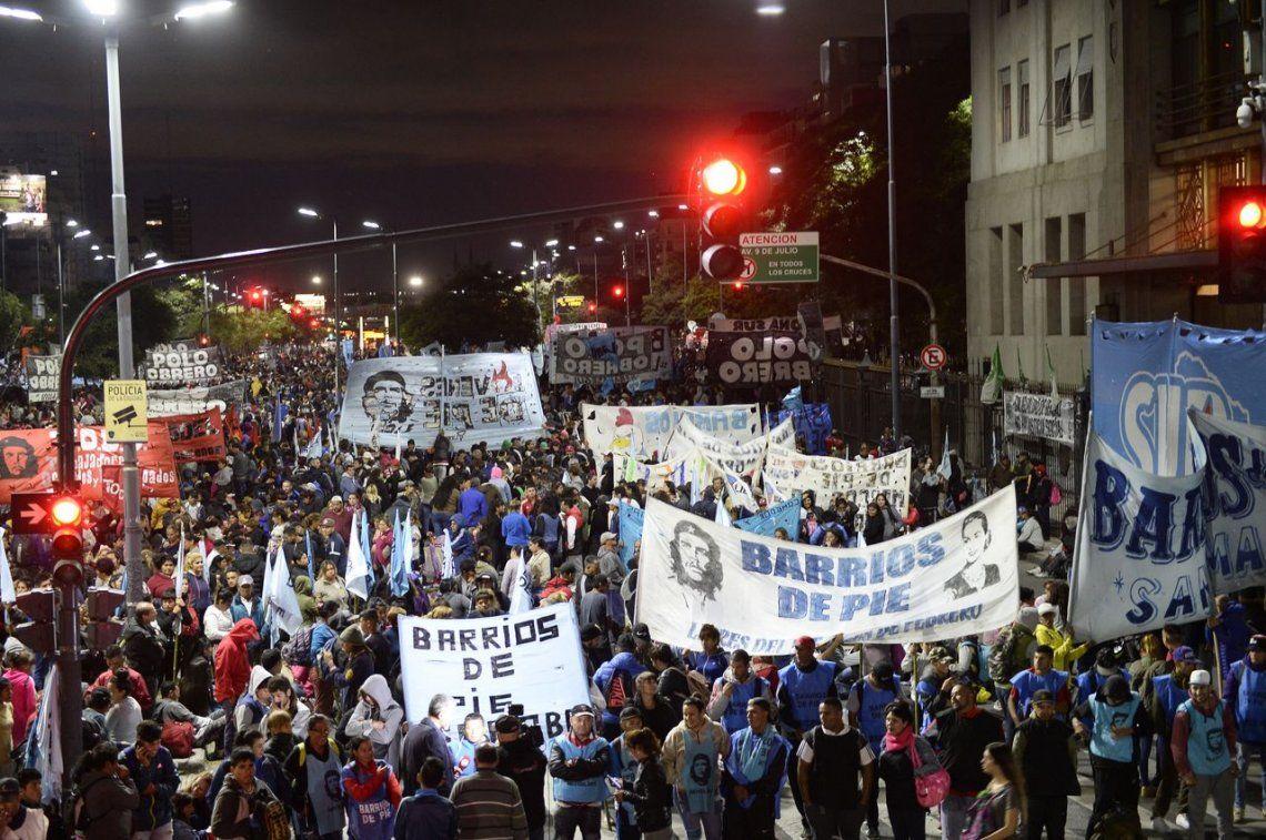Tras varias horas, se levantó el acampe de Barrios de Pie y el Polo Obrero frente al Ministerio de Desarrollo Social
