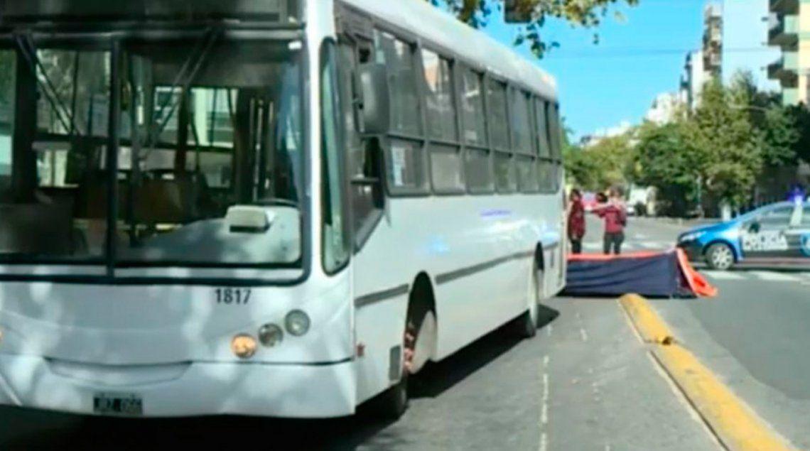Villa General Mitre: una mujer murió atropellada por un colectivo en la Avenida Juan B. Justo