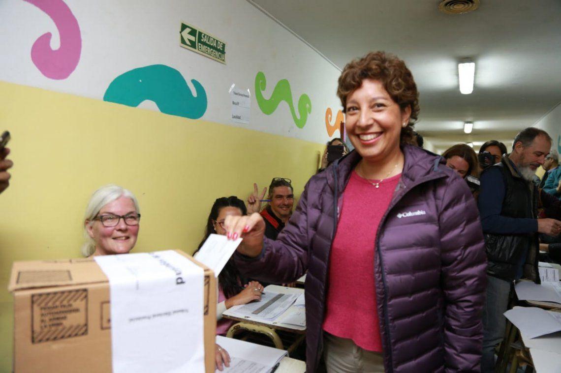 Elecciones en Río Negro: Arabela Carreras consolida al oficialismo local con una amplia ventaja