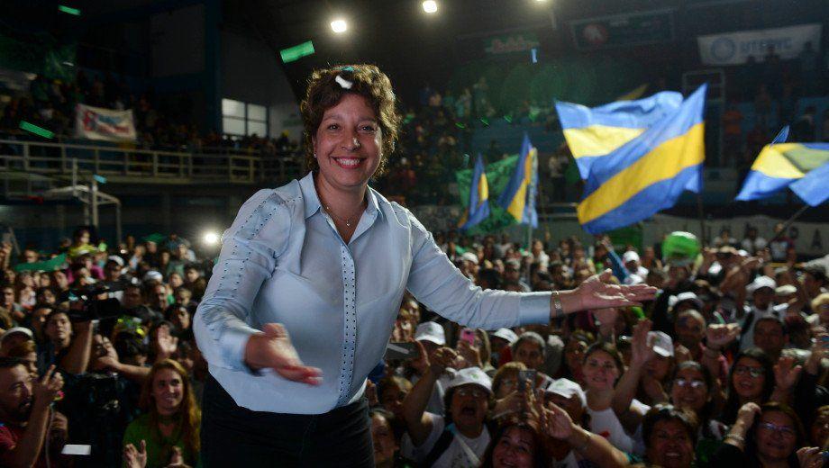 Quién es Arabela Carreras, la ganadora en Río Negro que venció al kirchnerismo y a Cambiemos