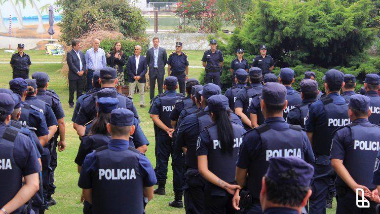 Los 94 mil efectivos de la Policía Bonaerense deberán fichar a partir de mayo