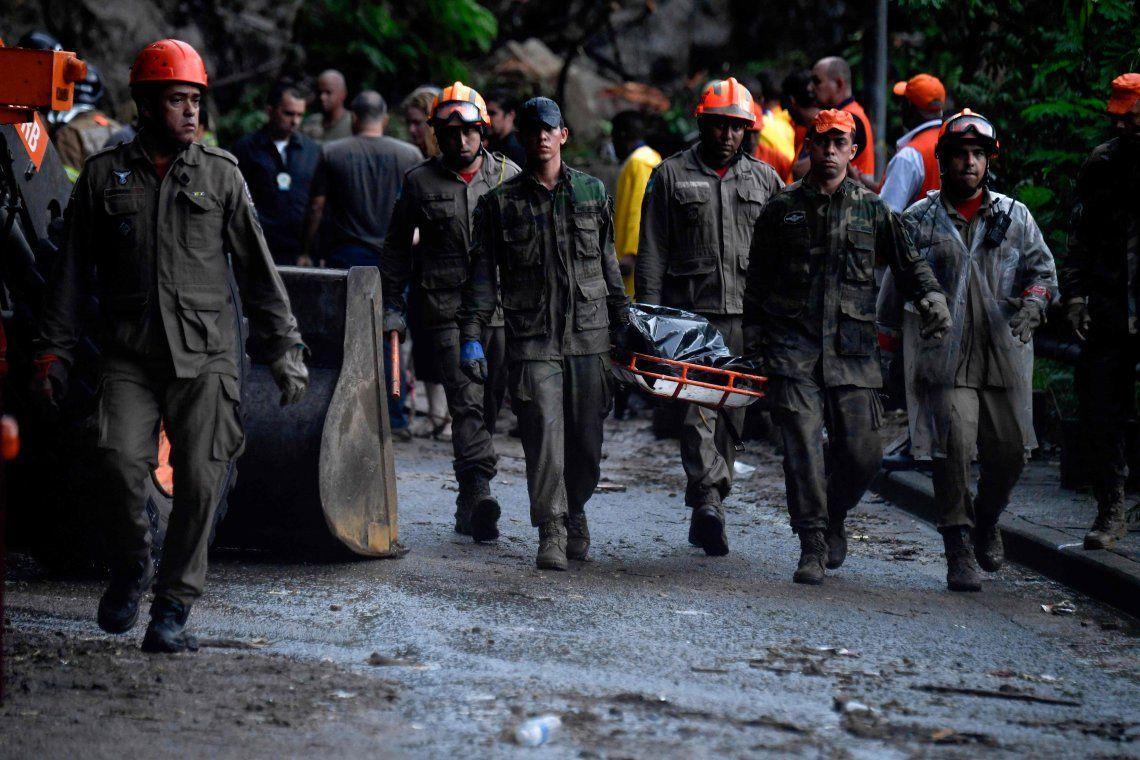 Ya son 10 los muertos por el temporal en Río de Janeiro