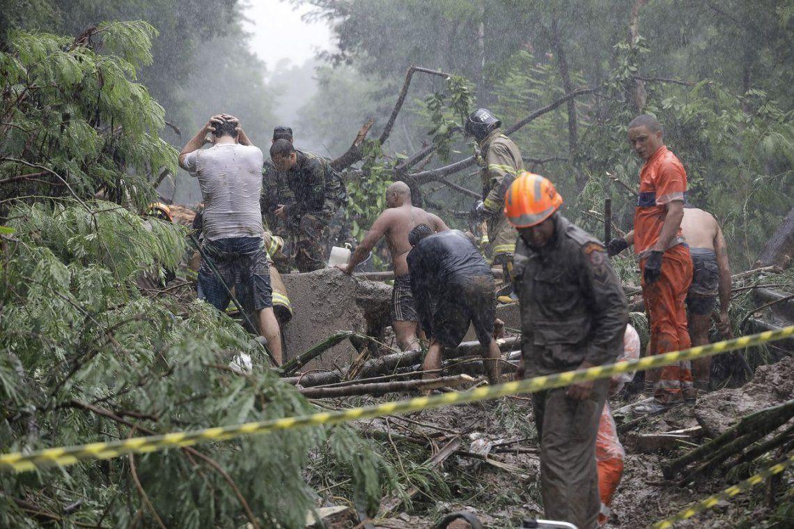 Río de Janeiro: trágico temporal deja diez muertos