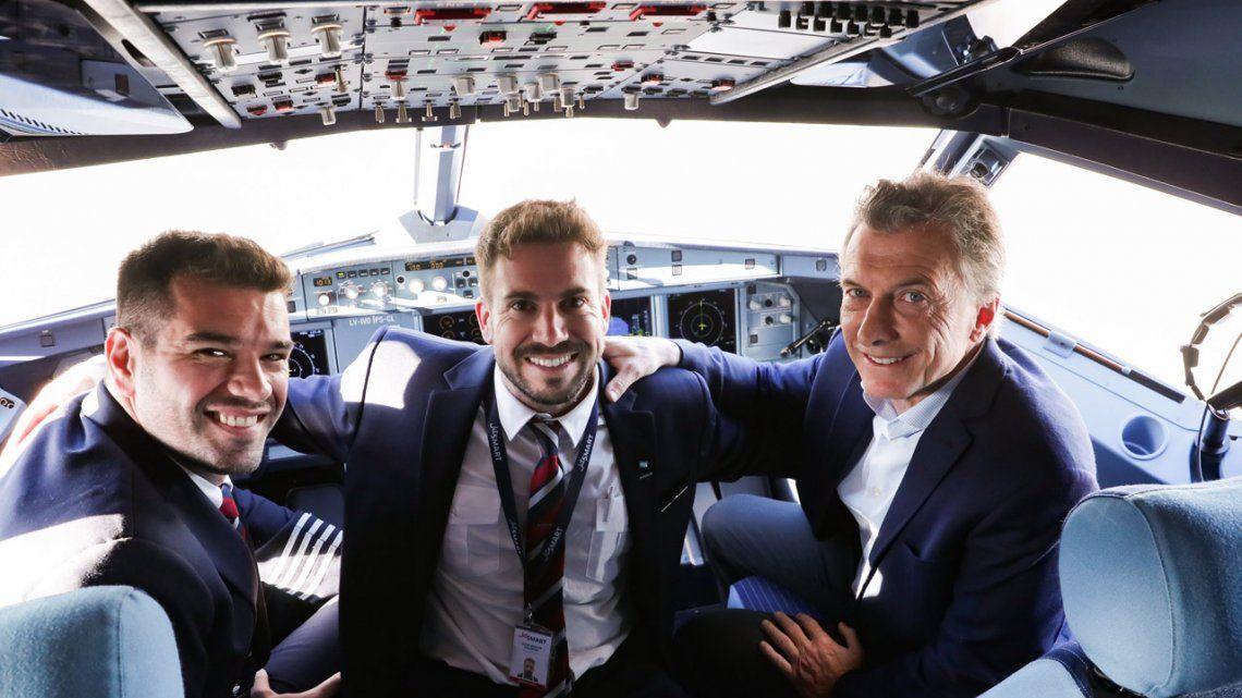 Macri, en el primer vuelo de JetSmart: Tenemos el desafío de que Aerolíneas sea sustentable