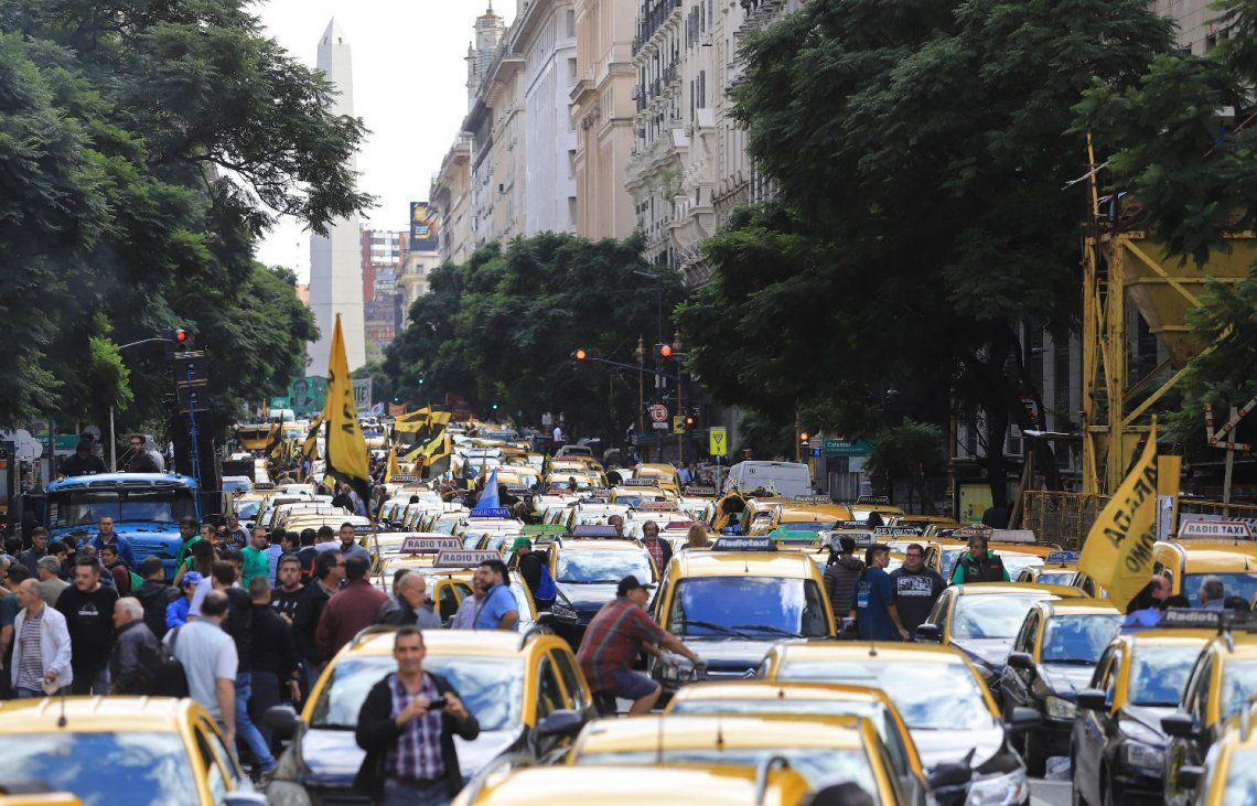 Ya hubo 480 ataques de taxistas a choferes de Uber