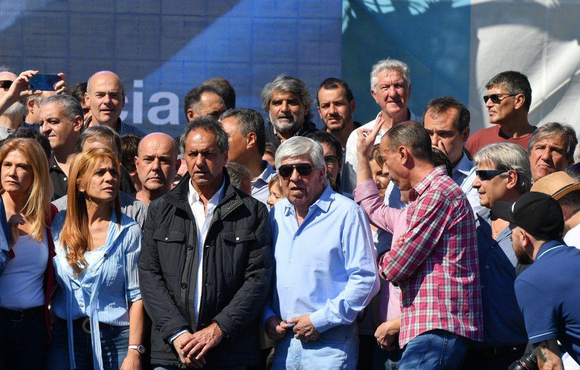 Precandidatos bonaerenses estuvieron en Avellaneda junto a Máximo Kirchner