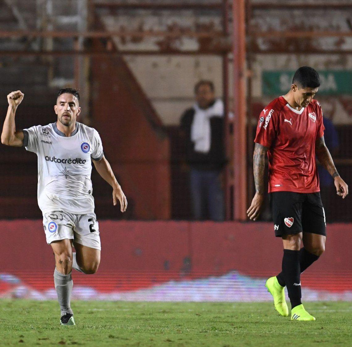 Independiente fue una sombra: cayó con Argentinos y quedó obligado para la revancha