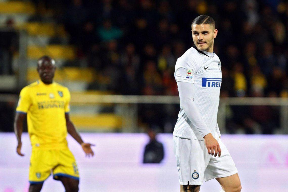 Mauro Icadi se cruzó con dos compañeros en el Inter por un penal