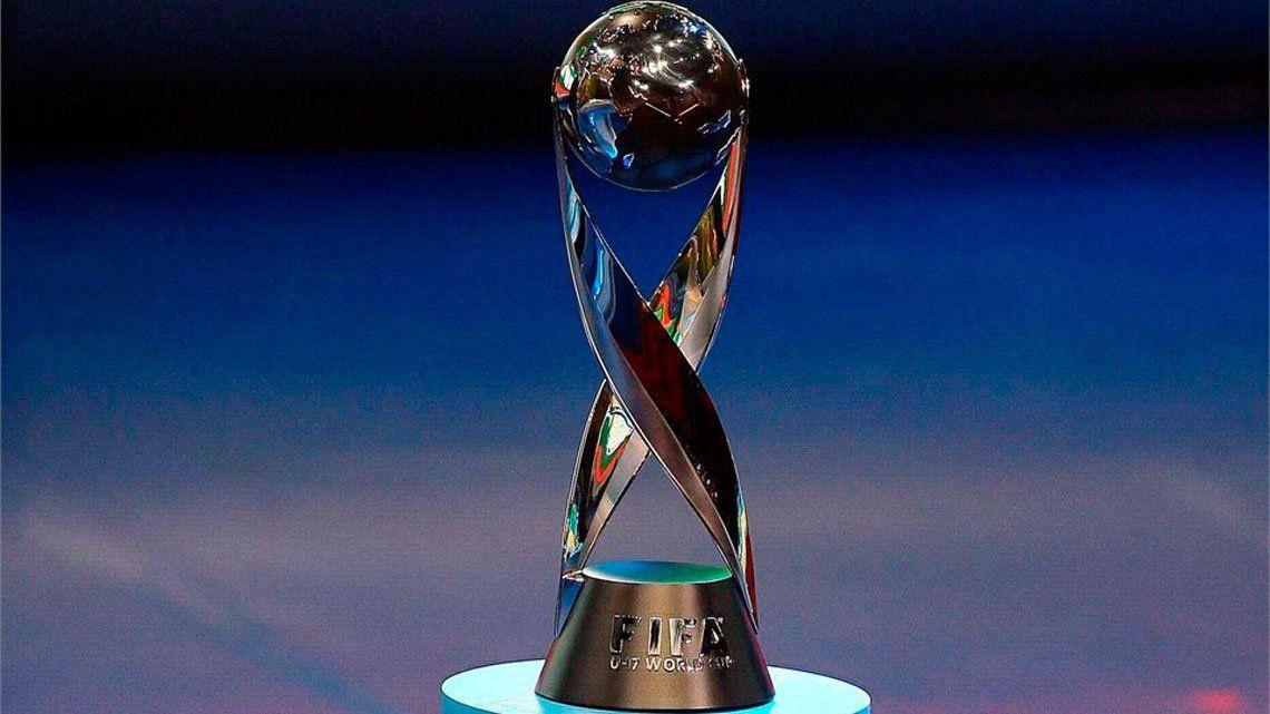 La copa del Mundial Sub 17 de Brasil