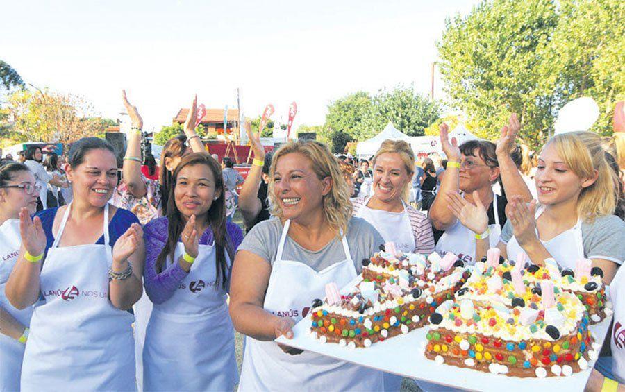 Lanús: la mejor torta por los 75 años del Distrito