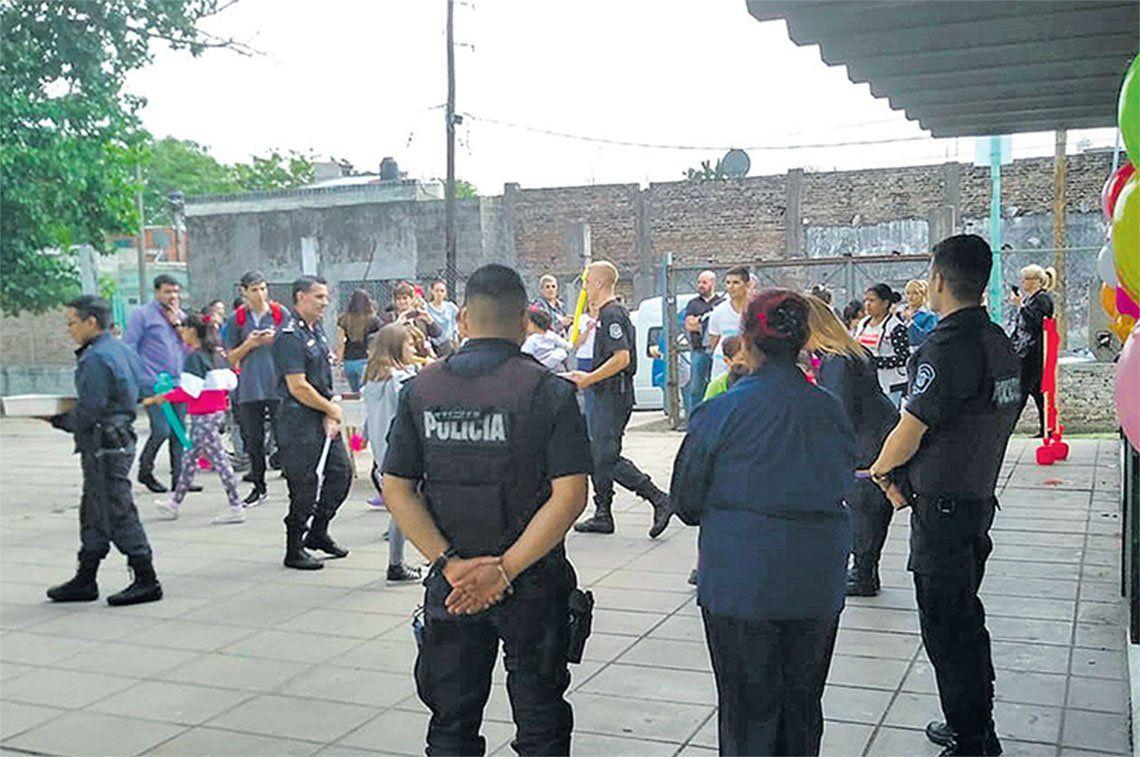 Lomas de Zamora: proyecto solidario de policías locales en Villa Fiorito