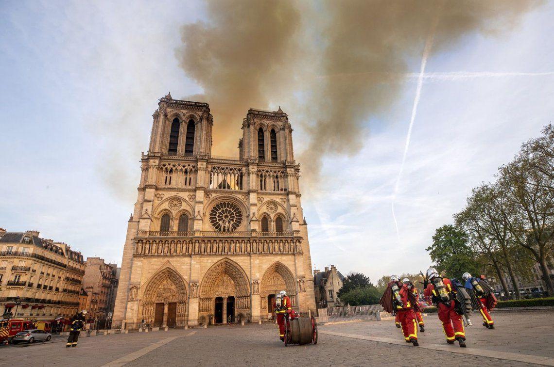 Tras el incendio de la catedral, se dispararon las ventas de El Jorobado de Notre Dame