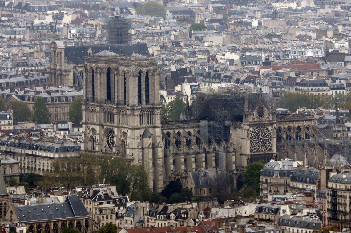 Notre Dame: el incendio fue apagado totalmente