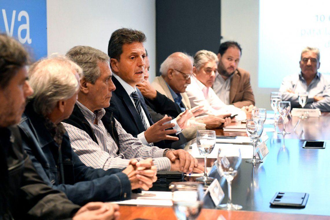 Reunión con gremios: Massa compartió diez compromisos para transformar el país