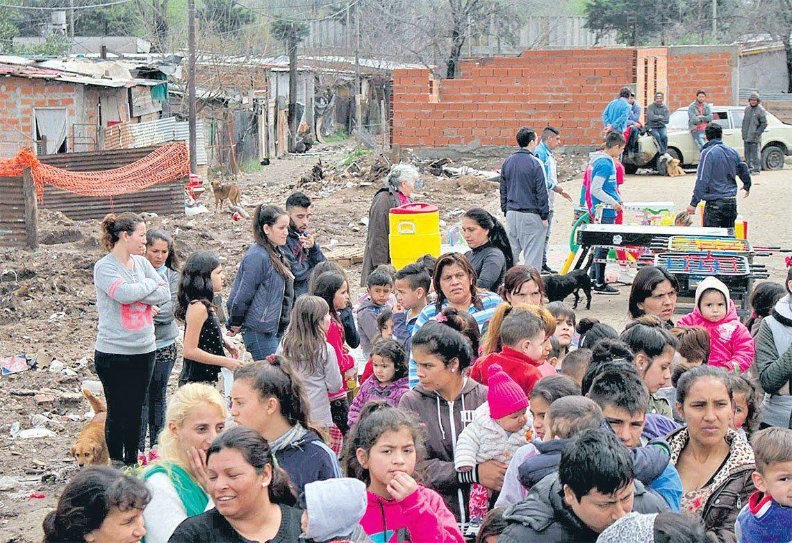 Tres de Febrero: una cruzada solidaria en Fuerte Apache