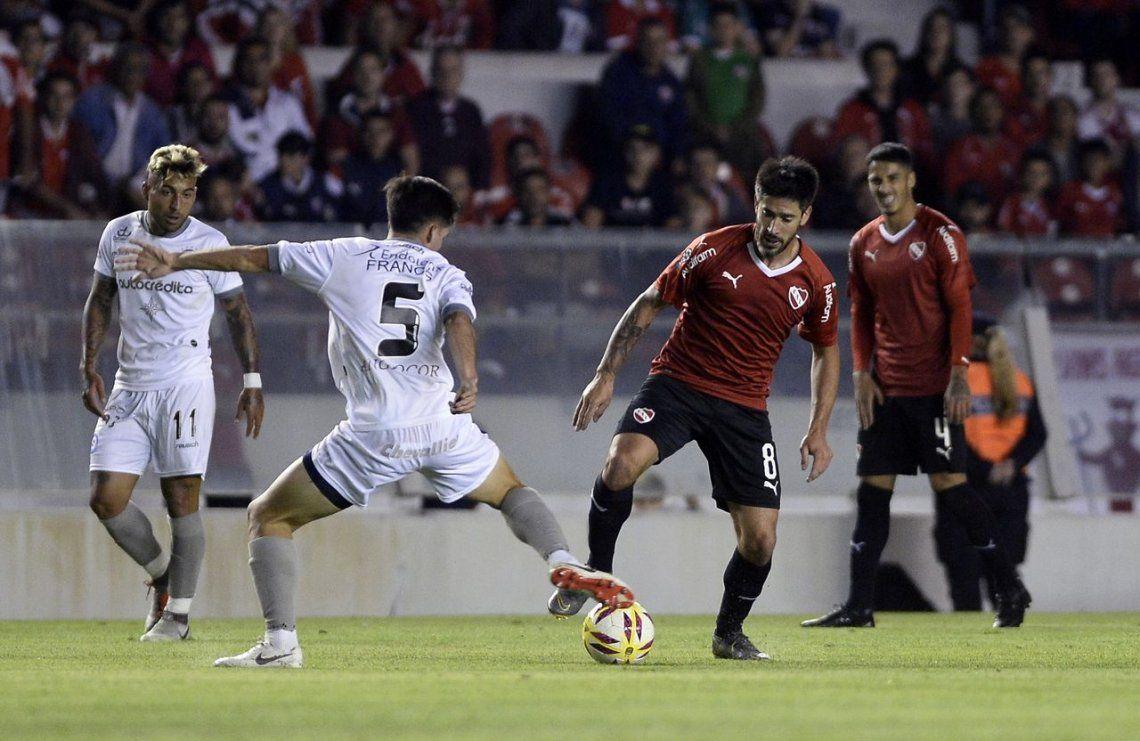 Argentinos le empató a un apático Independiente, le ganó en el global y lo eliminó de la Copa de la Superliga