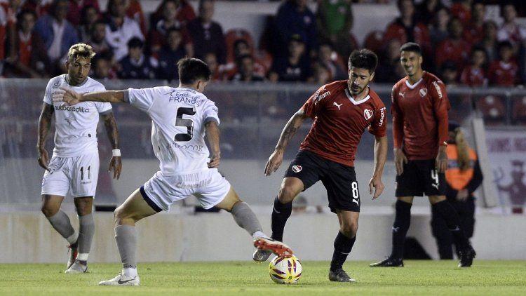 Argentinos empató con un apático Independiente y lo eliminó