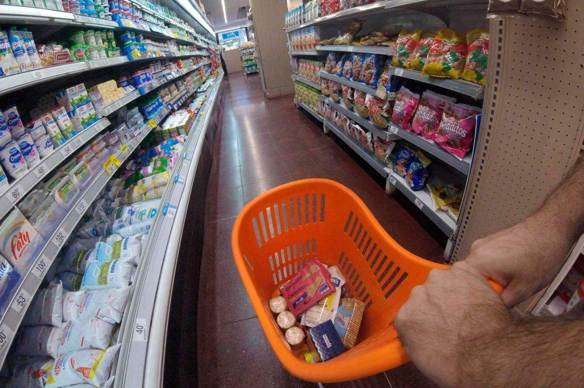 Oficializan multas de hasta 200 millones de pesos y clausura por 30 días a supermercados