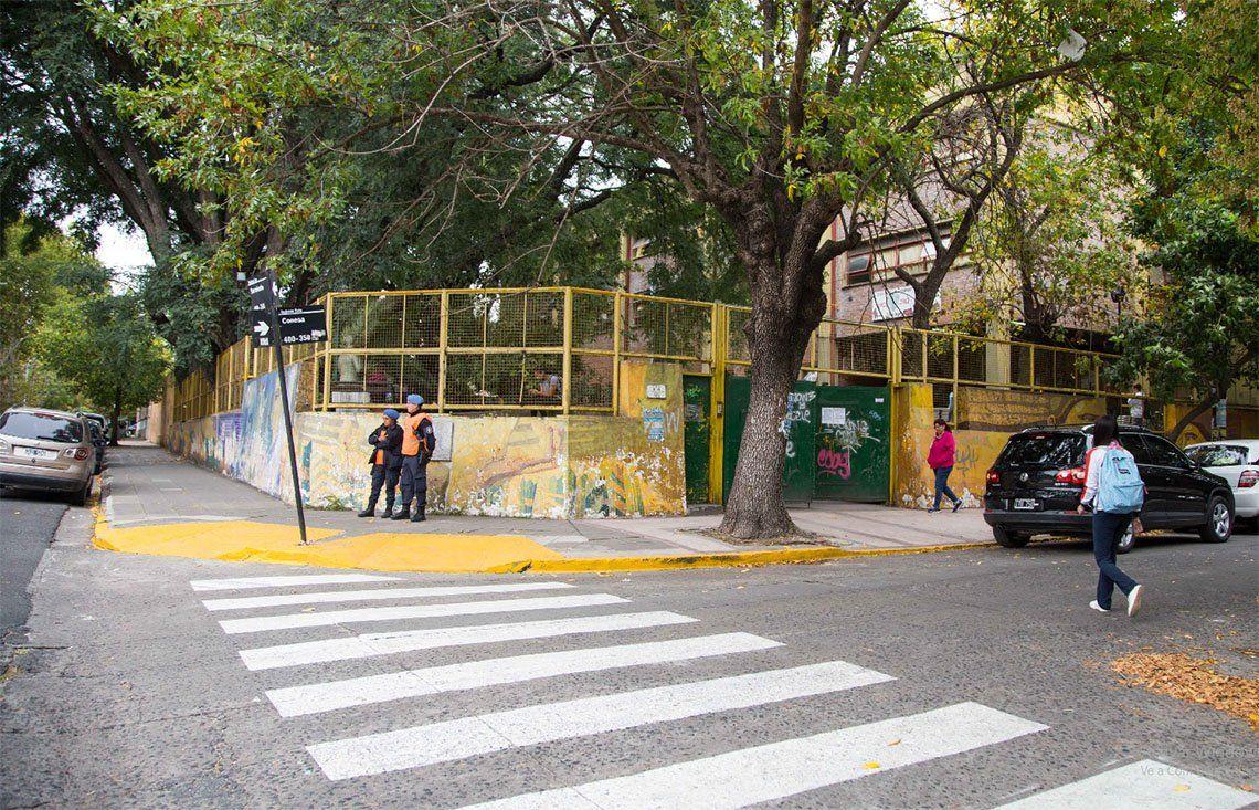 Quilmes: brindan seguridad a 120 colegios con 18 corredores escolares