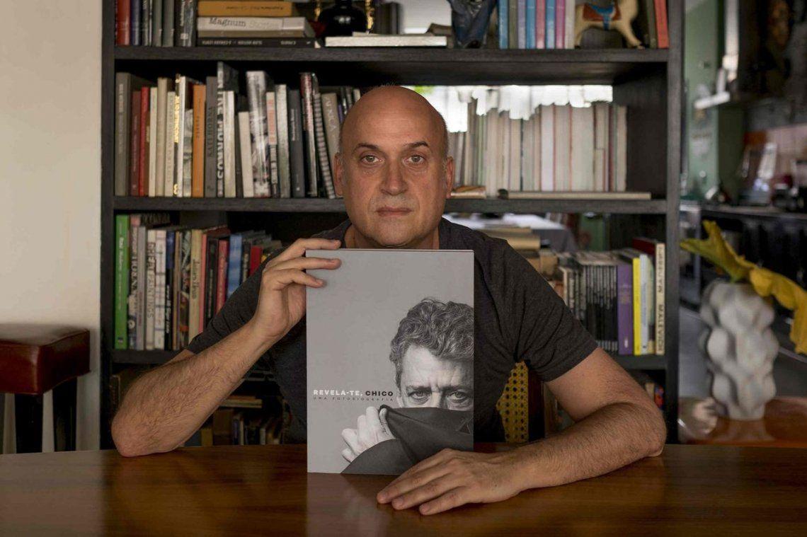 Augusto Lins Soares: Busqué mostrar a Chico Buarque en toda su diversidad