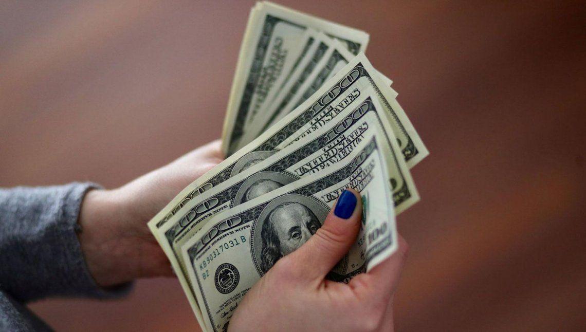 El mercado prevé un dólar por encima de los $60 para diciembre