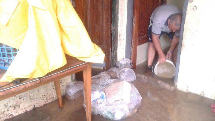 En Villa Corina advirtieron por nuevas inundaciones