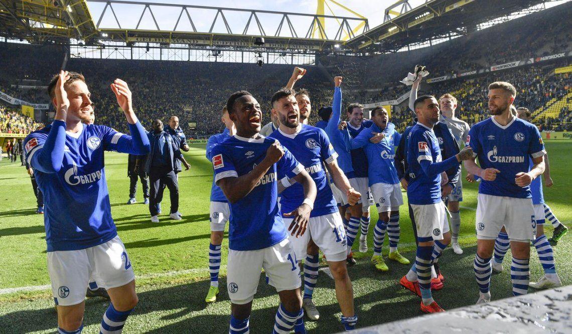 El Schalke conquista el clásico del Ruhr y el Dortmund se aleja del título de la Bundesliga