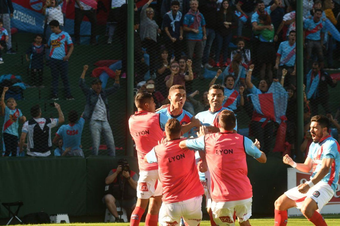 Después de un año, Arsenal de Sarandí volvió a Primera