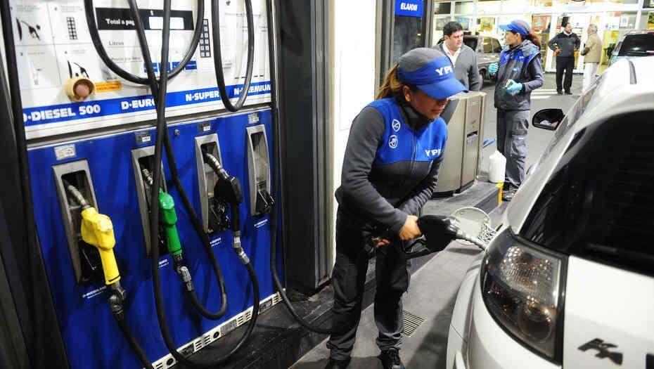 Aumentan un 1,5% los combustibles de YPF
